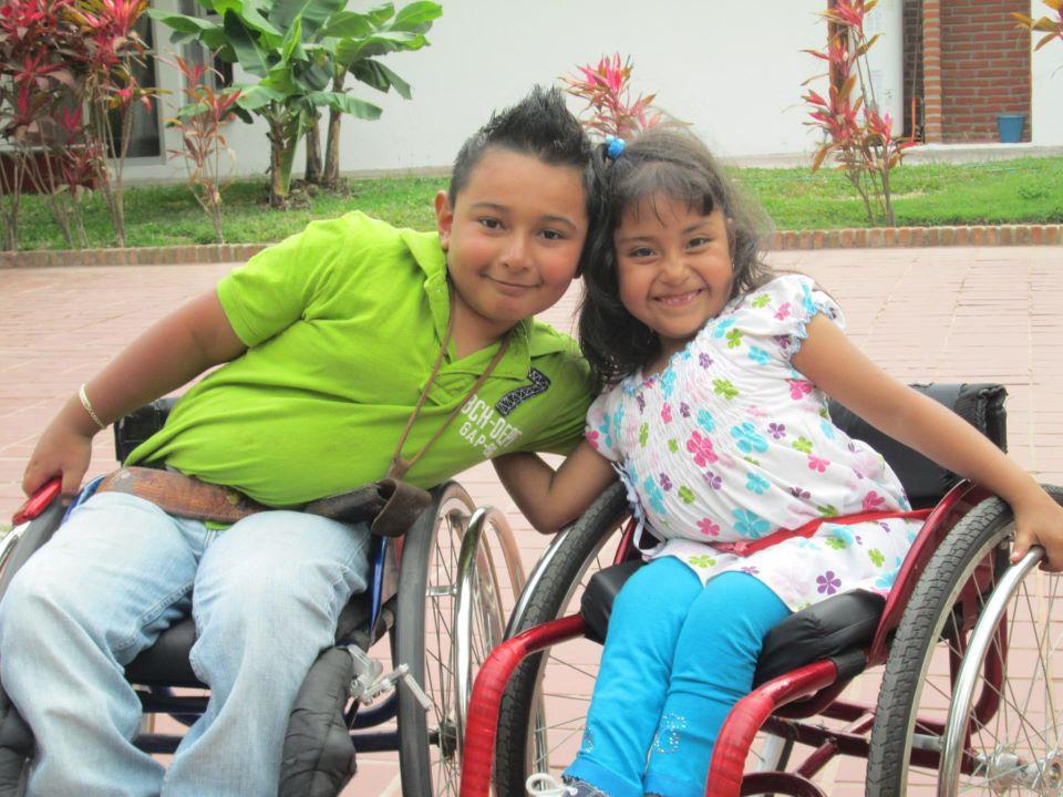 Lupita y Luisito en el curso Vida Independiente